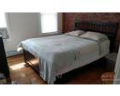 Apt was fully renovated last year! 5-10 Minutes away from restaurants