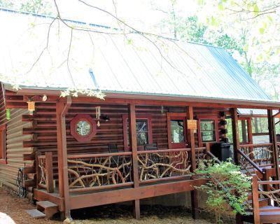 Mountain Laurel Cabin, Private Acre Size Pond, Folk School, Fishing, Dish,WiFi - Brasstown