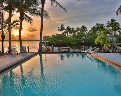 Waterfront Matlacha Condo w/Pool & Boat Slip! - Matlacha