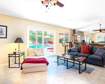Tranquil dog-friendly retreat w/ private pool & spa, courtyard, & mountain views - Araby