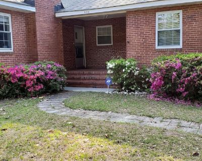 Great Masters Rental - Only 1 mile to the south entrance - Forest Hills