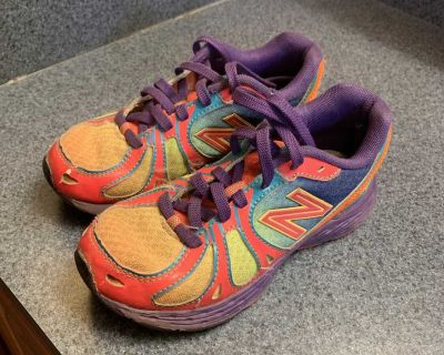 New Balance play shoes size 13