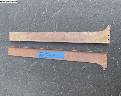 Barndoor front doors upper part repair panel set