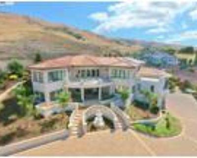 Fremont 5BR 6.5BA, Property Description A MUST SEE Gorgeous