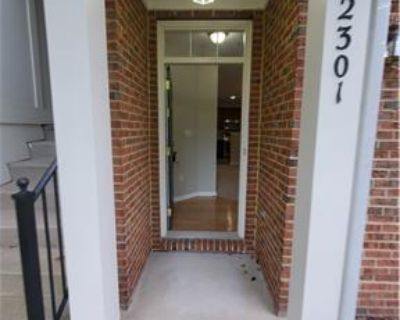 Perfect 2 level 3 Bed home in desirable Aldie area
