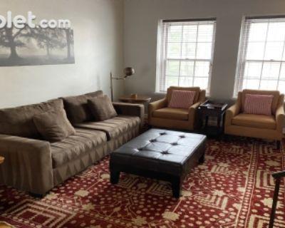 $3600 2 apartment in Arlington