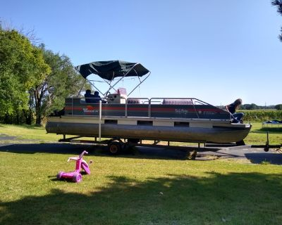24' party barge pontoon