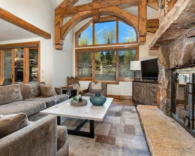 Steps to DV lifts, Beautiful Mountain Retreat!   Abode at Lucky Star - Empire Pass
