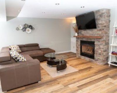 4636 Belfast Ave #1, Niagara Falls, ON L2H 1P3 5 Bedroom Apartment
