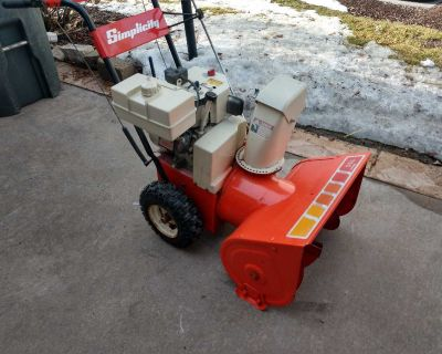 Simplicity Snowblower with electric start