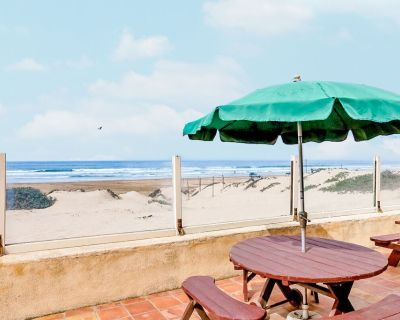 Oceanfront Home with Direct Beach Access, Fire Pit & BBQ - Oceano