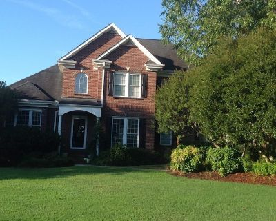 Private floor with 3 bedrooms and 2 bathrooms - Clemson