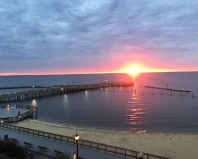 407 Southwinds - Renovated with Direct Chesapeake Bay View near DC and Annapolis - North Beach
