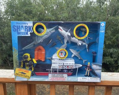 Discovery shark week shark expedition set. Brand new in the box