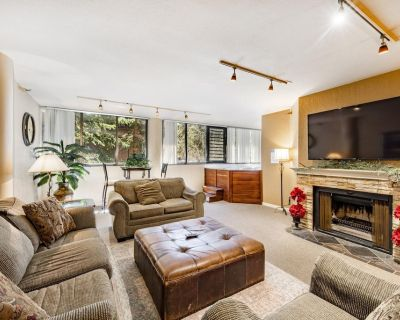 PRIVATE HOT TUB, Wood-Burning Fireplace, Kitchen, Walk to Slopes - Downtown Park City