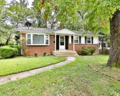 8223 Cottage St #1, Dunn Loring, VA 22180 3 Bedroom Apartment