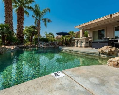NEW LISTING - Gorgeous Home w/Saltwater Pool/Spa with MISTERS! - Fabulous Outdoor Setting-3BD#245594 - La Quinta