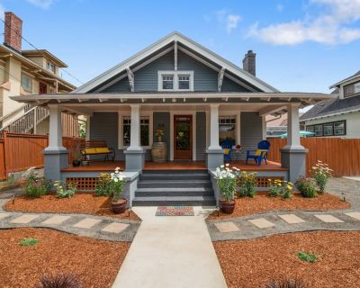Cowls Bungalow w/ Carriage House Charm, Downtown, Dine Outdoors, BBQ (Sanitized) - McMinnville