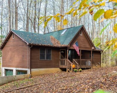 Harpers Ferry Cabin w Deck/Grill, Game Room, WiFi! - Harpers Ferry