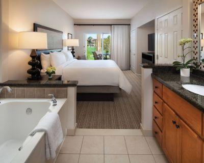 Marriott Shadow Ridge I, X-Large One bedroom Villa with Fireplace, Kitchen, W/D - Palm Desert