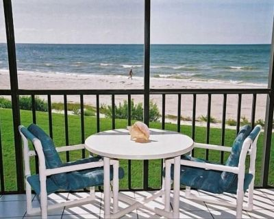 Direct Beach Front -20 Ft to Beach- Sundial Resort Largest 1 Bedroom - Sanibel