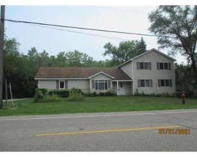 4 Bed 4 Bath Foreclosure Property in Saint Paul, MN 55117 - Country Rd B E