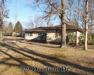 Single-family home Rental - 929 Deerfield Dr