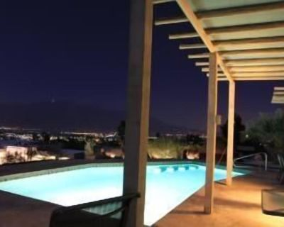 FAMILY AND PET FRIENDLY PLUS VIEWS IN EVERY DIRECTION - Desert Hot Springs