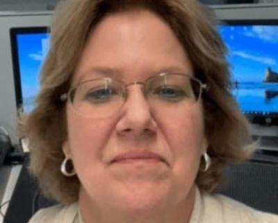 Barbara, 60 years, Female - Looking in: Sterling VA