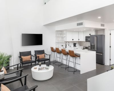NEW Luxury Townhouse in the heart of Arcadia! - Arcadia Lite
