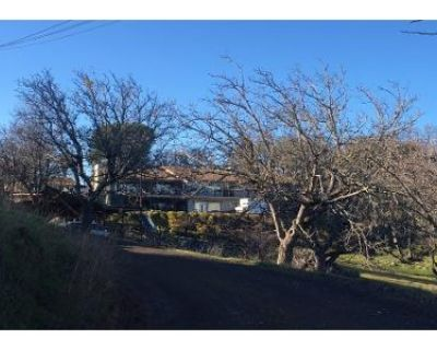5 Bed 5 Bath Preforeclosure Property in Lakeport, CA 95453 - Hartley St