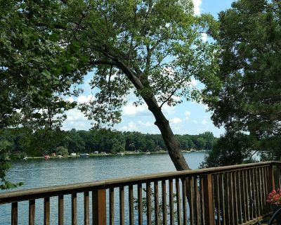 Long Lake House in Union Michigan - close to South Bend / Notre Dame - Union