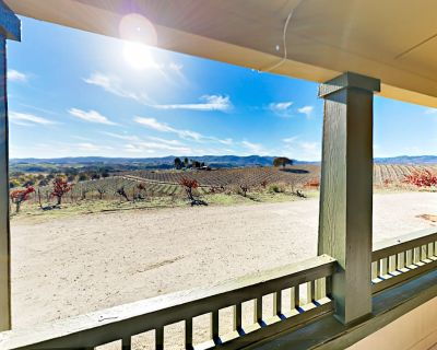 Wine Enthusiast Escape w/ Vineyard Views - 7 Miles to Downtown - Paso Robles