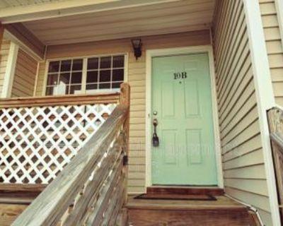 10 Lyford Ky Key B, Hampton, VA 23666 2 Bedroom House