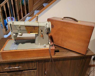 Singer Sew Machine - 1960's