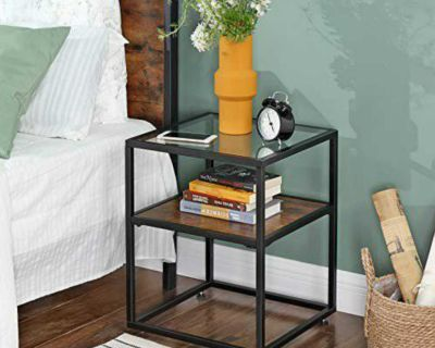 End table/nightstand