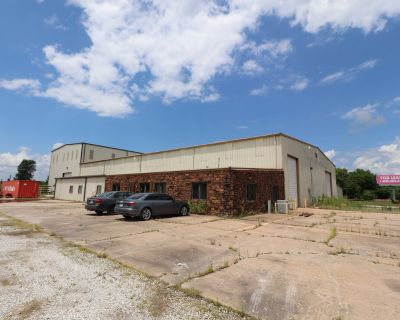 2405 S Warehouse Rd