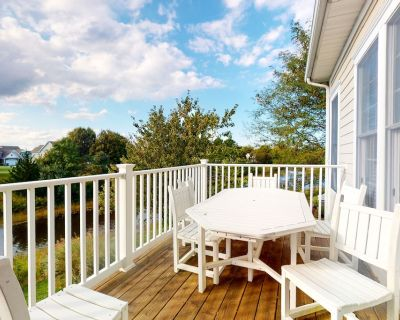 Bear Trap Dunes 2nd floor condo w/ basketball court, free WiFi, and shared sauna - Ocean View