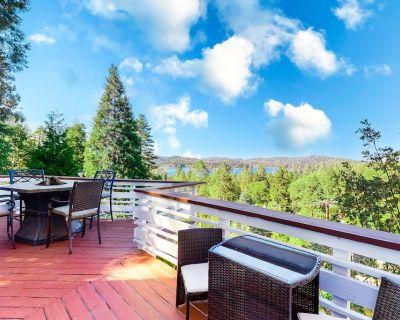 Dog-Friendly Home w/ Lake Views, Free WiFi, a Fire Table, and Two Decks! - Cedar Glen