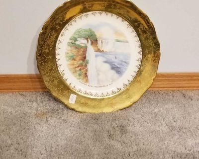 22 K Gold rimmed Niagara Falls plate