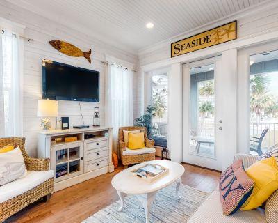 Adorable beach house w/ a furnished patio plus shared pool & beach access - Orange Beach