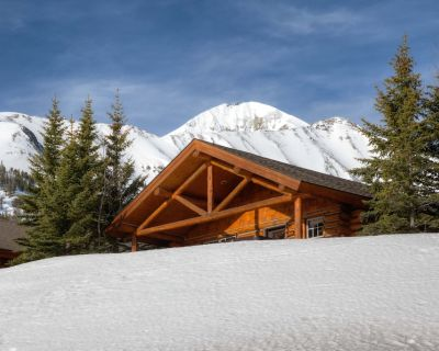 Ski-in/ski-out Cowboy Heaven Cabin/King bed in master/Hot Tub/Amazing Views - Big Sky