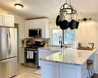 B-B Ranch Cottage ~ Heart of Gold Country~ *HOT TUB* - Cool