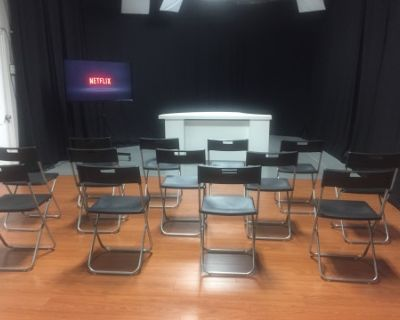 PRODUCTION STUDIO. GREAT FOR AUDITIONS, MEET-UPS, TABLE READS, REHEARSALS, WORKSHOPS, PRESENTATIONS AND MORE., Glendale, CA