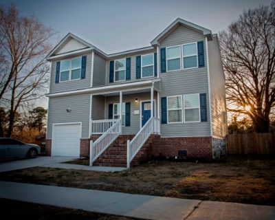Spacious 2 story home within historic district, Portsmouth, VA