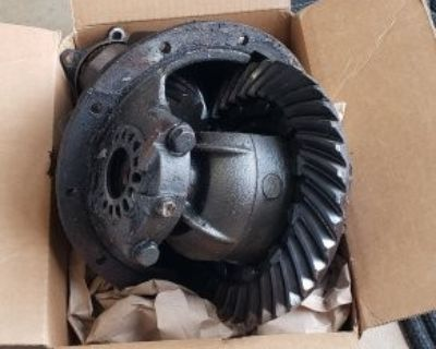 FS/FT 1985 FJ60 rear axle and loose third member. 3.73