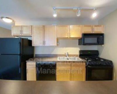 600 E 8th St #4R, Kansas City, MO 64106 1 Bedroom Condo