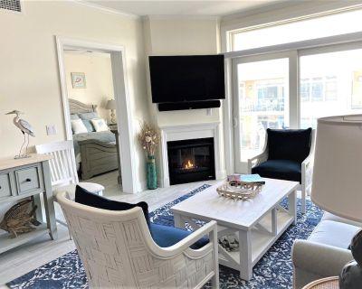 4 Bedroom Upscale Condo 1 Block to the Ocean - Dewey Beach