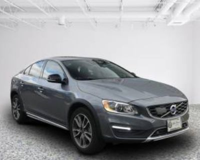 2017 Volvo S60 Cross Country T5 AWD