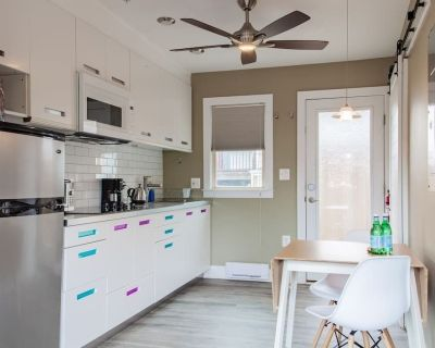 Eastern Market Carriage house efficiency // PRIVACY - Eastern Market